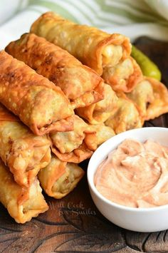 Cheeseburger Egg Rolls, stuffed with juicy ground beef, melted cheese, and pickles. from willcookforsmiles… FULL RECIPE HERE Basic Cheesebu. Egg Roll Recipes, Beef Recipes, Cooking Recipes, Copycat Recipes, Recipies, Cooking Ideas, Cheeseburger Eggrolls, Cheeseburger Egg Rolls Recipe, Appetizer Recipes