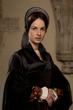 Wolf Hall -- a BBC TV show currently filming -- features surprisingly accurate Tudor Renaissance costumes. Let's take a look! Theatre Costumes, Movie Costumes, Cool Costumes, Amazing Costumes, Damian Lewis, Tudor Costumes, Period Costumes, Downton Abbey, Bodies