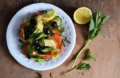 Lemon, Mint, Artichoke Salad – Mediterranean Inspired  http://chayvert.com/2014/09/27/lemon-mint-artichoke-salad-mediterranean-inspired/