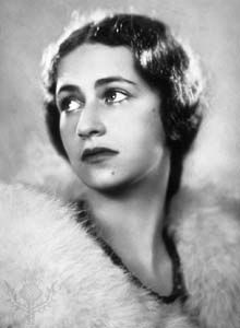 """""""Acting is a mysterious business, so complicated, so tender a subject, there are no rules, and I think one works instinctively."""" Dame Peggy Ashcroft New York Times' obituary 15 June Originally published on R&V 27 December 2007 English Actresses, British Actresses, Hollywood Actresses, Actors & Actresses, British Actors, Hollywood Cinema, Hollywood Stars, Classic Hollywood, Robert Donat"""