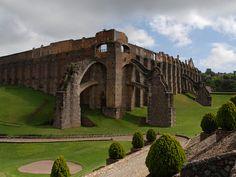 Mina de Guadalupe, Guanajuato, México. Look the amazing elephants arcs.