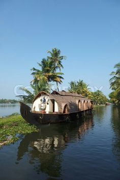 Traditional houseboat in Kerala, India!!    Originally the rice boat of kerala...used to transport essentials through keralas multiple waterways as roads were hardly there