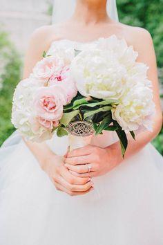Ideas Modern Art Museum Wedding Inspiration For 2019 Museum Of Modern Art, Art Museum, Museum Wedding Inspiration, Wedding Bouquets, Wedding Flowers, Wedding Dresses, Spring Art Projects, Wedding Styles, Wedding Ideas
