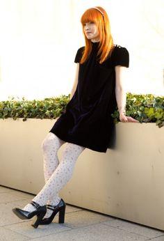 Immagine di http://static.stylosophy.it/stshoes/fotogallery/625X0/47067/collant-bianchi-e-scarpe-nere.jpg.