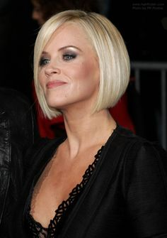 Jenny McCarthy: The autism debate continues Angled Bob Haircuts, Short Bob Hairstyles, Cool Hairstyles, Jenny Mccarthy Bob, Kids Bob Haircut, Medium Hair Styles, Short Hair Styles, Chin Length Hair, Corte Y Color
