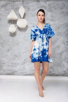 women indigo tie dye kimono style drawstring dress, ahimsa silk, boho beach fashion for holiday, resort wear, blue white abstract pattern Tie Dye Fashion, Kimono Fashion, Boho Beach Style, Boho Chic, Batik Mode, Bohemian Schick, Resort Dresses, Beachwear For Women, Boho Dress