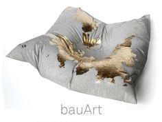 Beton Kissen *gold* - Deko oder Briefbeschwerer von bauArt auf DaWanda.com