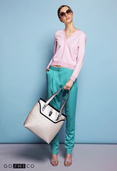 http://goshico.com/en/purse-in-hand-and-shoulder-flowerbag-1433.html PRICE: 98.04 €