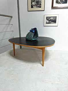 Bill Max 1949 Dreirundtisch for Horgen Glarus (col. Max Bill, Design Furniture, Vintage Furniture, Vintage Design, Contemporary Design, Modern, Table, Home Decor, Trendy Tree