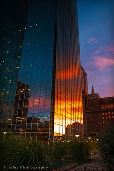 The Chase Tower in downtown Phoenix, Arizona, how pretty