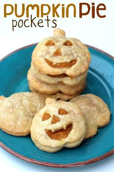Pumpkin Pie Pockets.  Easy, cute hand-held cheesecake pumpkin pie!
