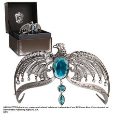 Buy Harry Potter Film Replica - Rowena Ravenclaw`s Diadem at The Shop That Must Not Be Named today, a magical independent shop specialising in officially licensed Harry Potter merchandise. Harry Potter Film, Collier Harry Potter, Harry Potter Schmuck, Bijoux Harry Potter, Cadeau Harry Potter, Objet Harry Potter, Theme Harry Potter, Harry Potter Merchandise, Harry Potter Tattoos