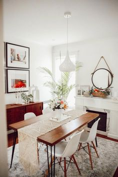 Dining Room Makeover Reveal modern Bohemian style - Home Decoration Dining Room Walls, Dining Room Design, Fireplace In Dining Room, Dining Area, Dining Chairs, Interior Design Living Room, Living Room Decor, Dining Room Inspiration, Small Dining