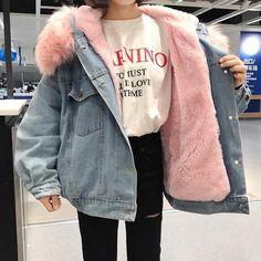 #style jaqueta jeans denim com pelinho estilo carneiro no seu interior - fluffy