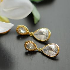 I made these same earring for my wedding in silver