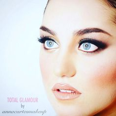 Total Glamour by Anna Cartes