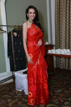 Dipannita sharma in traditional Assamese silk mekhela chador Indian Attire, Indian Wear, Mekhela Chador, Indian Goddess, Bays, Half Saree, Bridal Photography, Beautiful Indian Actress, Traditional Dresses