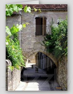 Habitation in medieval town of Martel, It used to be one of the town's entrance, as in all fortifed towns. Located in Quercy, Midi-Pyrénées, France.