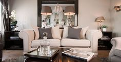 Comfy but elegant living room and family space. love the contrasts between dark and the light which make it look so rich! Living Room Paint, Living Room Interior, Home Living Room, Living Room Decor, Living Spaces, Living Roon, Small Living, Elegant Living Room, Beautiful Living Rooms