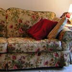 Custom Furniture Slipcovers & Reupholstery: {Tutorials} : TipNut.com This is a great tutorial to make over horrid sofas!