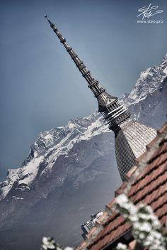 Spiando la Mole Antonelliana Turin Piemonte