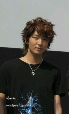 you guys know how Lee Min Ho tried to pull off the perm and looked super funny with it? well, I think Joon Gi oppa would have been perfect for the part, he looks beyond cute with the curlyish hair :3