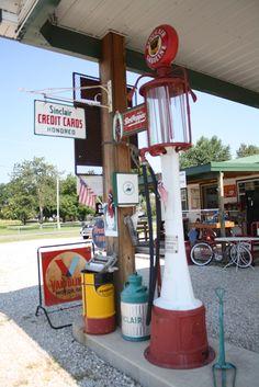Gary Turner's Gay Parita Station in Paris Springs, Missouri. #route66