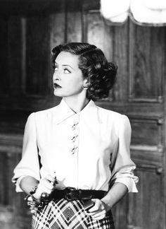 Bette Davis-- she EXUDES Hollywood Glamour!                                                                                                                                                                                 More