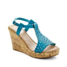 Size 8.5 New without box only tried on. Size 8.5 Brand Top Moda ModCloth Shoes Wedges