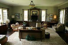 The Living Room. Cinema Style: The Descendants Green Rooms, Elegant Homes, Descendants, Home Living Room, Home Interior Design, Interior Inspiration, House Design, Set Design, New Homes