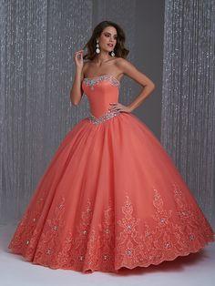 Vestidos de xv años strapless 2015 de Allure Bridals