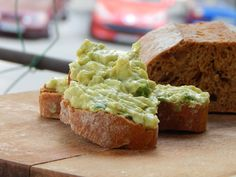 Gâză's Kitchen: Salată cu avocado și ou Avocado, Guacamole, Mexican, Ethnic Recipes, Food, Kitchen, Cooking, Lawyer, Essen