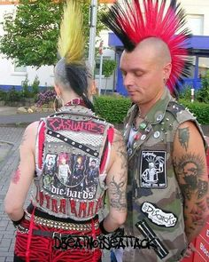 Punx Punk Boy, Punk Rock Girls, Estilo Punk Rock, 80s Party Costumes, Mode Punk, Heavy Metal Fashion, Crust Punk, Anti Fashion, Zombie Girl