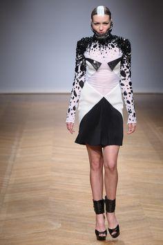 On Aura Tout Vu Haute Couture SS14 by Yassen Samouilov & Livia Stoianova