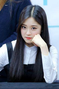 #LOONA #hyunjin #kpop