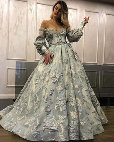 Hair Today, Ball Gowns, Cool Hairstyles, Wedding Decorations, Formal Dresses, Hair Styles, Womens Fashion, Princess Gowns, Carpet