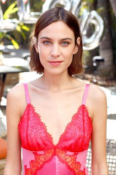 Alexa Chung Is the Queen of Effortless Beauty Looks