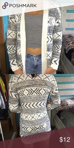 Tribal cardigan Super comfy! Can dress it up or down Charlotte Russe Sweaters Cardigans