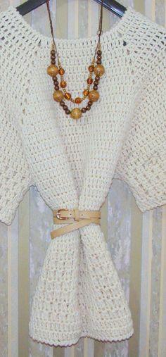Laura Barrios.: Túnica de lana.