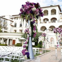 Vibrant purple floral wedding and so artfully arranged! Floral design by @squarerootdesigns and event planning by @eventsbyshideh! Photo @navidstudio #vibrance #vibrantwedding #weddingcolors #squarerootdesigns #outdoorwedding #eventsbyshideh #weddingphoto