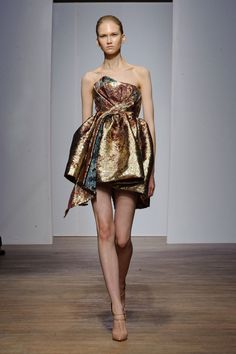 Yiqing Yin Haute couture Automne-hiver 2013-2014