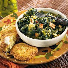 Turnip Greens Stew III Recipe - add 1 can great northern beans, rinsed. Serve with cornbread. Turnip Green Soup, Turnip Greens, Collard Greens, Hot Water Cornbread Recipe, Homemade Cornbread, Southern Recipes, Southern Food, Fun Cooking, Soups And Stews