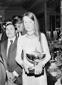 Nina Rindt taking Jochen's Trophy for the F1 World Championship 1970