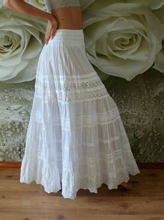 wedding skirt White tiered maxi skirt with lace.White tiered maxi skirt with lace. White Skirt Outfits, White Maxi Skirts, Long Skirt Outfits, Boho Skirts, Maxi Dresses, Beach Maxi Skirt, Bohemian Maxi Skirt, Girl Skirts, Printed Maxi Skirts