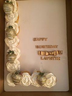 Monogram L pull apart cupcakes. Truck Birthday Cakes, Cupcake Birthday, Birthday Ideas, Fun Cupcakes, Cupcake Cakes, Monogram Cupcakes, Pull Apart Cupcake Cake, Cute Wallpaper For Phone, Unique Cakes