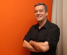 #PrismaPalestras - # RobertoKovalick #Jornalista e #Palestrante - Com ampla experiência no Brasil e no exterior, Roberto Kovalick, foi o correspondente na Ásia da Rede Globo de Televisão em Tóquio, no Japão, produzindo matérias com suporte da equipe da IPCTV (primeira afiliada da Rede Globo no exterior). Em janeiro de 2016,  retornou ao Brasil como repórter especial em São Paulo. Em abril de 2017,assumiu como apresentador eventual do SPTV2.
