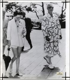 Paris! Strolling with Wallis Simpson, 1953