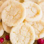 A Christmas version of a rice krispie treat - these are festive and delicious! Amish Sugar Cookies, Sugar Cookie Icing, Rice Krispie Treats, Rice Krispies, Christmas Desserts, Christmas Baking, Delicious Desserts, Yummy Food, Pecan