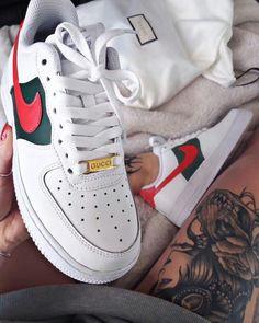 eada39c9bcb Custom Gucci x Nike Air Force 1 Low Red and Green Stripes Tenis Gucci