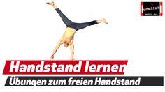 Der Handstand ist eine absolute grundlegende Fähigkeit. Er erfordert Körperspannung, Mobilität und Stabilität. Das Kraftverhältnis zwischen Armen, Rumpf und ...